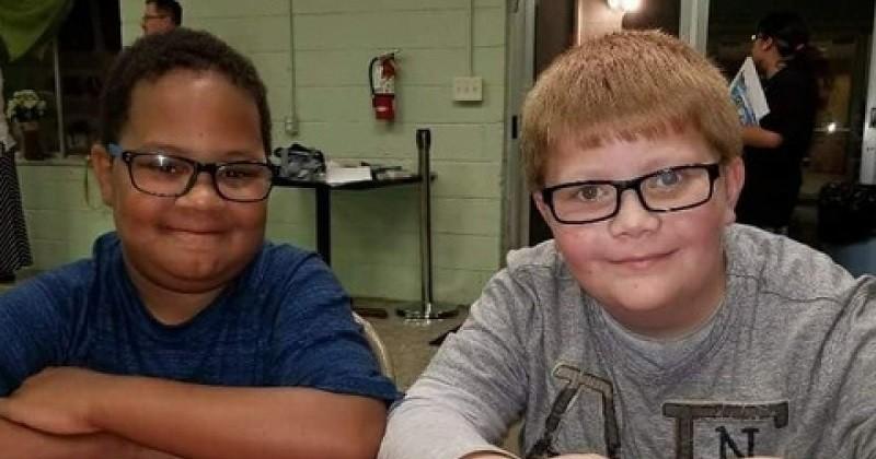 À l'âge de 12 ans, il travaille pour payer la pierre tombale de son meilleur ami décédé