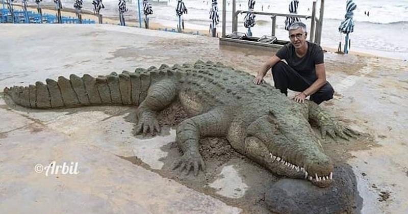 Incroyablement réalistes, ces sculptures de sable donnent l'impression de ramper sur le rivage