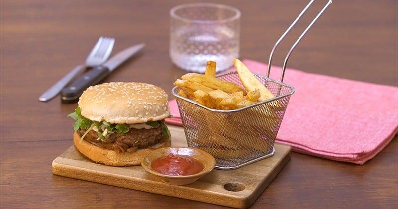 Surprenez vos convives en réalisant un burger à l'agneau comme au restaurant!