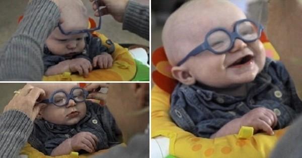 Ce bébé, atteint d'une maladie rare, voit sa mère pour la première fois. Sa première réaction est trop adorable
