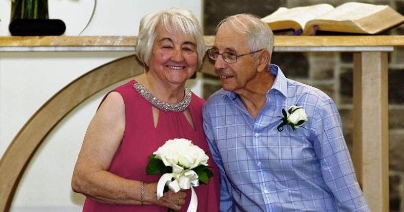 Alors qu'ils s'étaient perdus de vue il y a 70 ans, ces deux amoureux se retrouvent en pleine pandémie et se marient