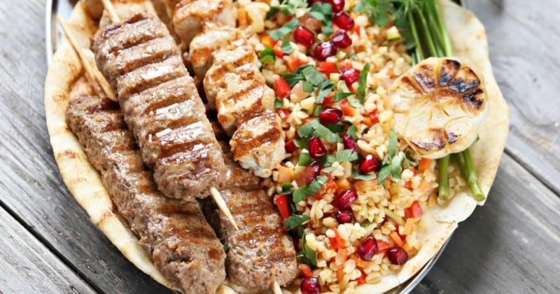Osez les brochettes de poulet au piment et gingembre avec un bon taboulé