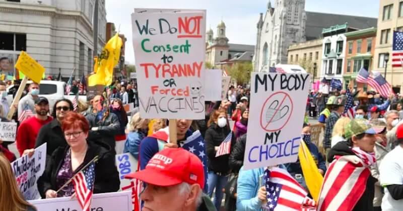 Coronavirus : des manifestations anti-confinement se propagent aux États-Unis