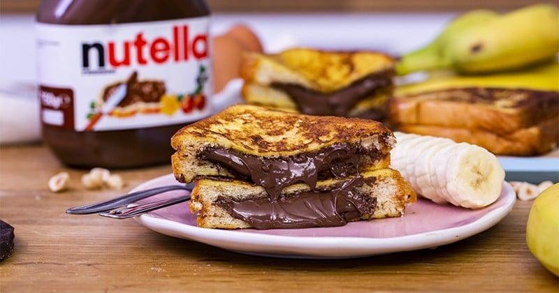 Surprise! On vous a préparé un merveilleux pain perdu fourré au chocolat!