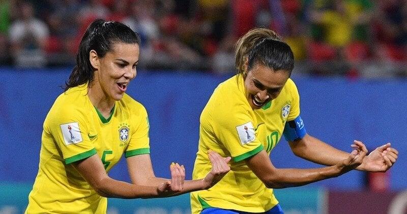 Football : au Brésil, les femmes toucheront les mêmes salaires que les hommes