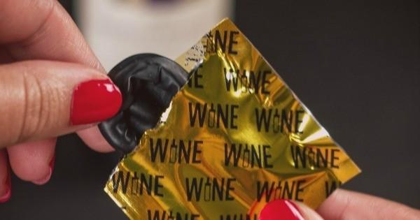 15 objets cool que tous les amoureux du vin devraient posséder chez eux ! Le tire-bouchon en licorne est trop mignon !