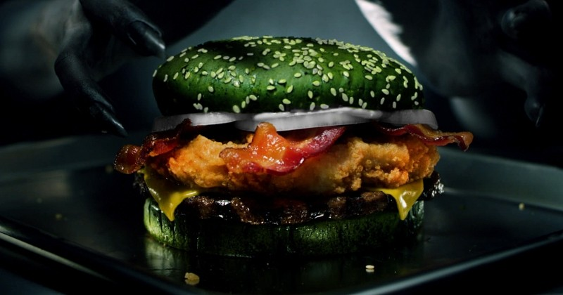 Burger King lance un burger vert pour inaugurer la saison Halloween!