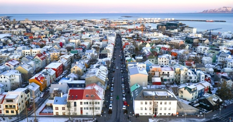 Habiter à Reykjavik, être payé 3 300 €/mois et parcourir le monde pendant tout l'été? C'est le job de rêve que propose Wow Air