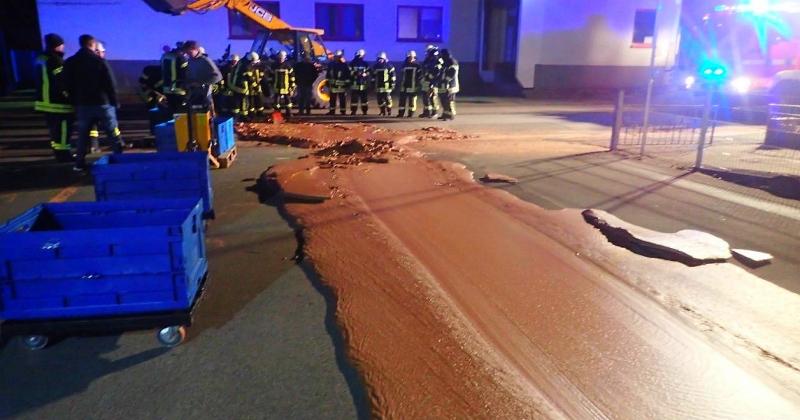 Accident dans une chocolaterie : une marée de chocolat se déverse dans un centre-ville Allemand!