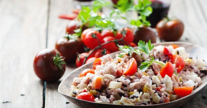 Pour vos repas d'été, misez sur l'incontournable salade de riz !