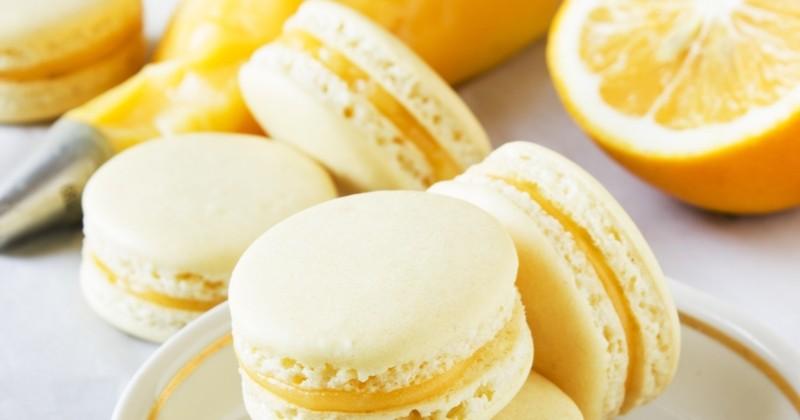 Préparez de savoureux macarons fruités et acidulés fourrés à la confiture ou au lemon curd!