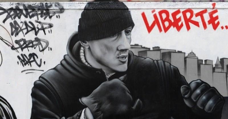 Christophe Dettinger, héros d'une fresque honorant les gilets jaunes sur un mur de Paris