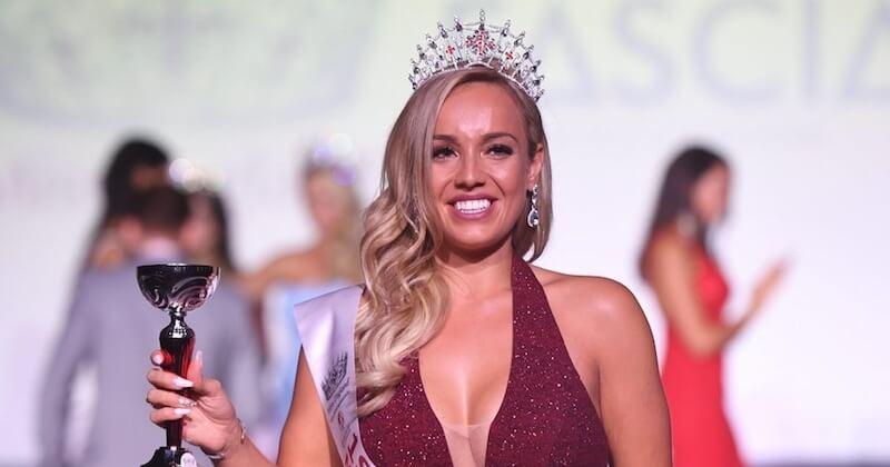 Plaquée par son fiancé qui la trouve trop grosse, elle perd 50 kilos et remporte le concours de Miss Grande-Bretagne