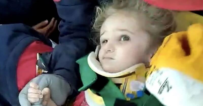 Séisme en Turquie : une fillette de trois ans secourue après 65 heures passées sous les décombres