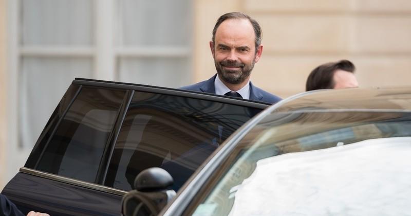 Édouard Philippe « assume complètement » son vol Tokyo-Paris à 350 000 euros, réalisé « pour justement faire des économies »