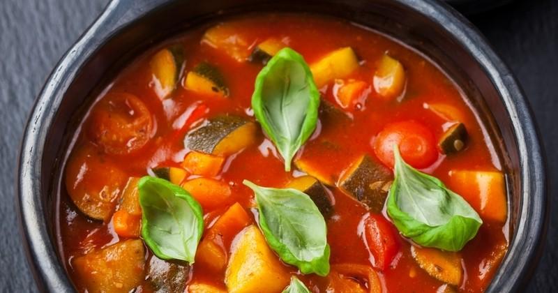La ratatouille en soupe, un plat original à boire chaud ou froid toute l'année!