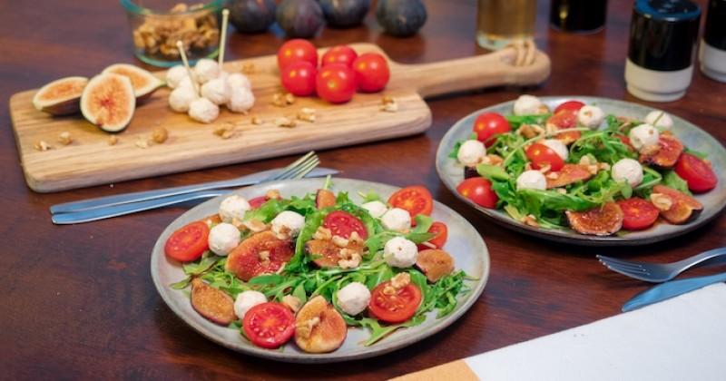 Salade de figues aux billes Saint Môret oignons caramélisés Recette