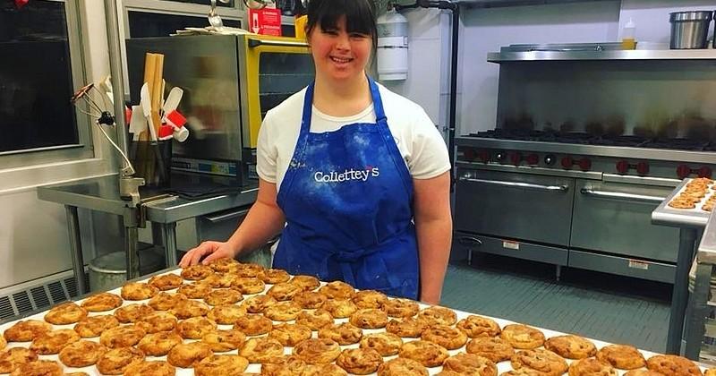 Colette, jeune trisomique, gère une pâtisserie à succès célèbre pour ses cookies