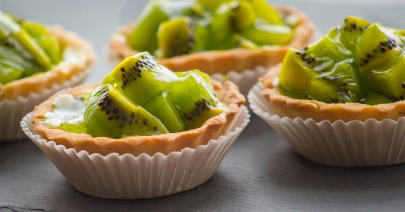 Ces tartelettes au kiwi et chocolat blanc vont vous faire craquer !