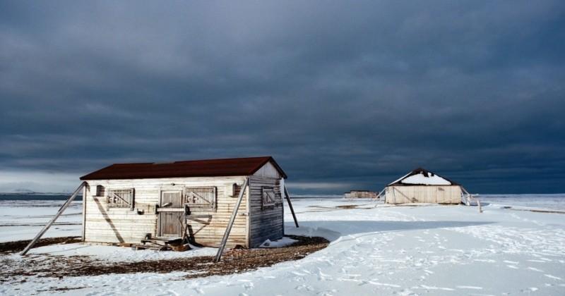 Les photos de ces structures abandonnées dans l'extrême Arctique sont hypnotisantes !