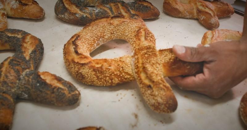 Avec Love Baguette, soutenez la lutte contre le sida en achetant un pain en forme de ruban chez votre boulanger!