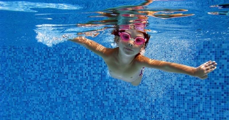 La ministre des Sports dévoile un plan anti-noyade et renforce l'apprentissage de la natation dès la maternelle