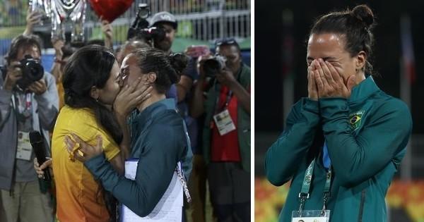 Au Brésil, une bénévole crée la surprise en faisant sa demande en mariage à une joueuse, lors de la finale olympique de Rugby à 7 féminin.