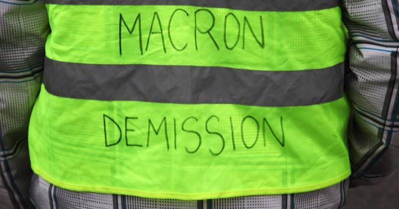 « Macron démission », « CRS vs. manifestants » : quand la crise des « gilets jaunes » s'invite dans la cour de récré