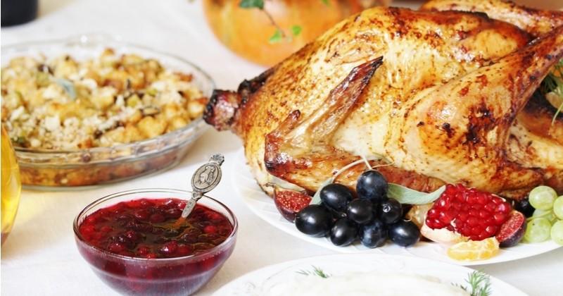 Pour fêter Thanksgiving comme aux US, préparez une dinde rôtie avec sa sauce aux canneberges!