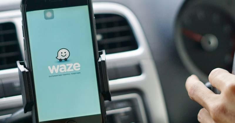 Finalement, les contrôles policiers seront toujours signalés sur Waze et Coyote