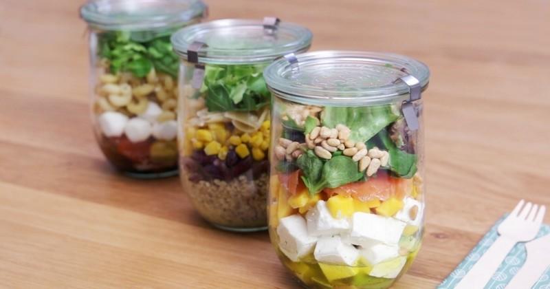 Envie de bien manger ? Craquez pour ces 3 salades en bocaux à emporter partout avec vous signées Elle à Table