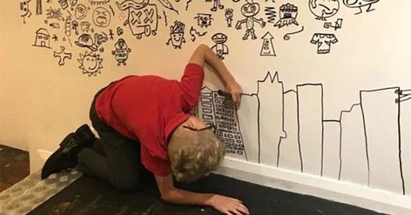 Ce jeune garçon de 9 ans n'arrêtait pas de dessiner en classe, il est appelé par un restaurant pour qu'il dessine sur le mur de sa salle à manger