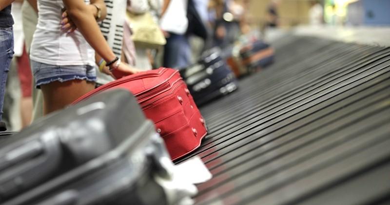 Voici comment faire pour récupérer ses bagages en premier sur le tapis roulant à la sortie de l'avion