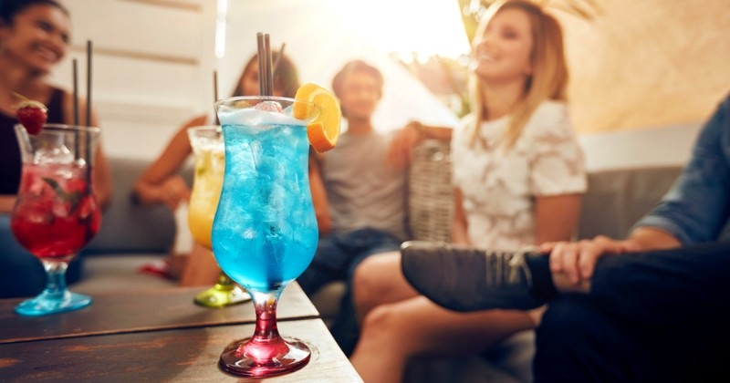 Job de rêve : Absolut recherche une personne pour voyager dans le monde et... goûter des cocktails