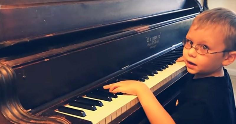 Avette Ray, 7 ans, est aveugle et a appris à jouer au piano tout seul !