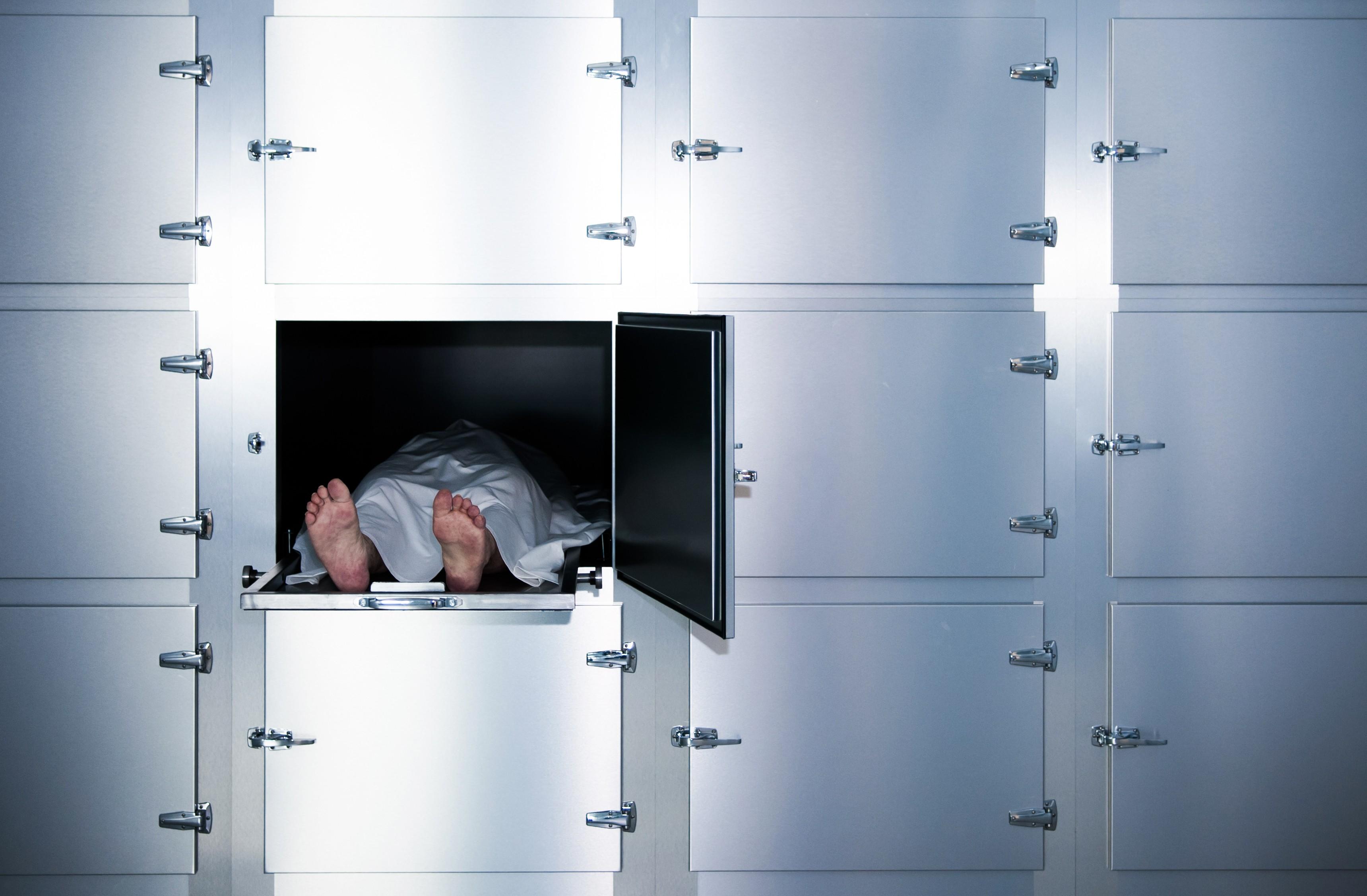 Un mort se réveille à la morgue — Espagne