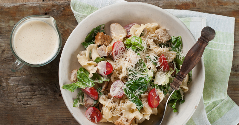 Salade de pâtes au poulet et aux tomates