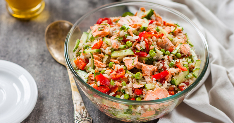 Salade de riz aux petits pois et au thon