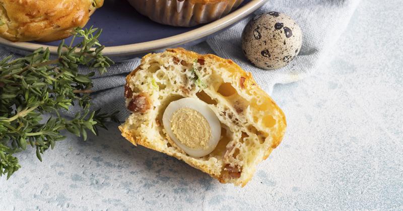 Muffins aux œufs de caille et feta