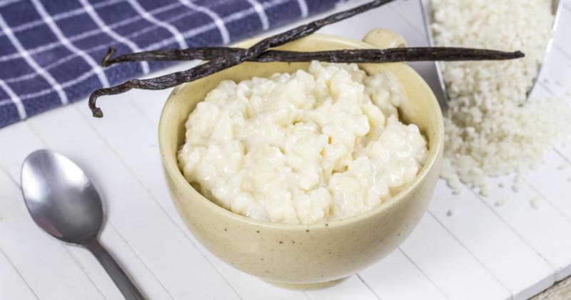 Riz au lait à la vanille et à la mangue