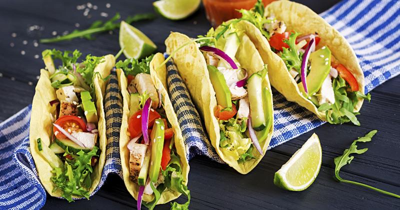 Tacos healthy au poulet et à l'avocat
