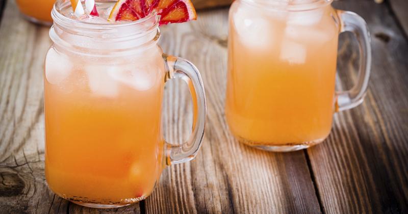 Cocktail de fruits à la menthe sans alcool qui fera l'unanimité auprès des petits et grands !