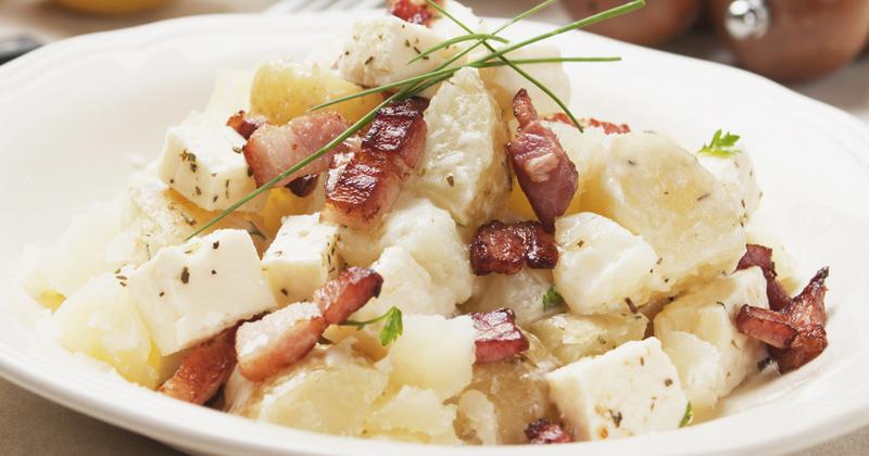 Salade de pommes de terre aux lardons et feta