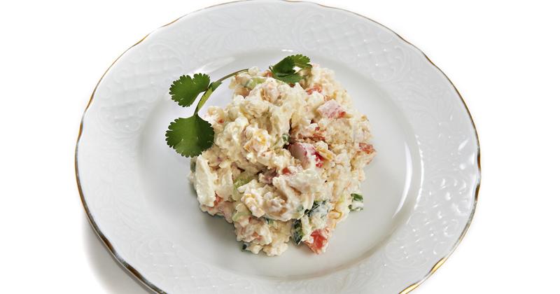 Cette salade de pommes de terre au crabe ravira les gourmands !