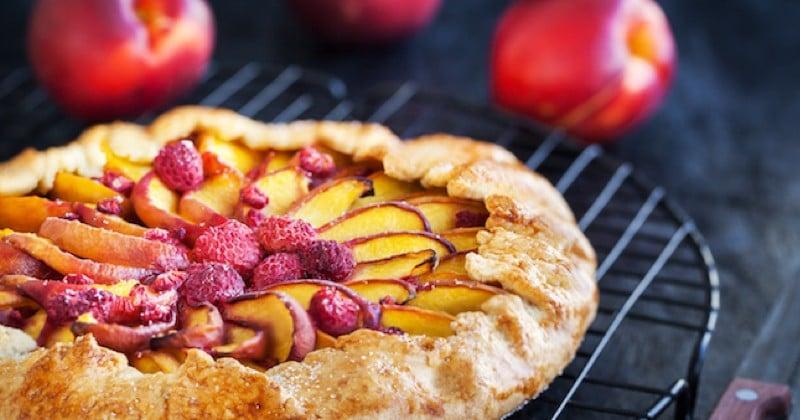 tarte rustique aux nectarines et aux framboises