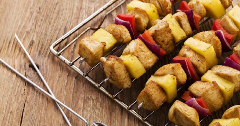 brochettes poulet et ananas