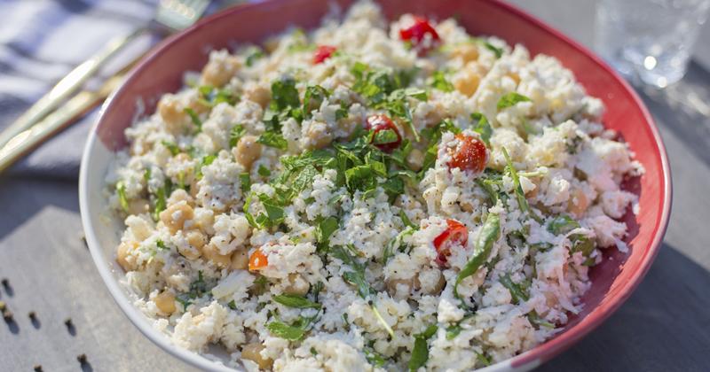 Salade de chou-fleur aux pois chiches et grenades