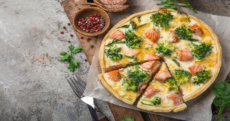 Préparez cette quiche au saumon fumé et aux brocolis, un régal !