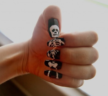 Re Nail art  fille jusquau bout des ongles.